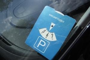 Welche Strafe blüht Parksündern, wenn sie keine Parkscheibe auslegen?