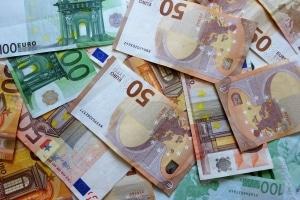 Welche Kosten verursacht ein Wechselkennzeichen?