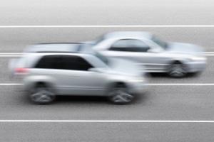 Beim LAVEG wird die Geschwindigkeit über die Entfernung zwischen Messgerät und Fahrzeug errechnet.