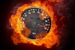 Mit dem LEIVTEC XV2 führt die Polizei Messungen der Geschwindigkeit durch.