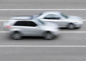 Nachteil der Lichtschranke: Die Geschwindigkeitsmessung ist nur auf einer Spur möglich.
