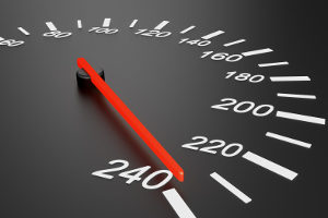Das Messgerät ESO 3.0 ermittelt Überschreitungen der Geschwindigkeitsbegrenzung.