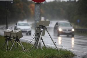 Mobile Radargeräte stellen ebenfalls mittels Geschwindigkeitsradar fest, ob eine Geschwindigkeitsüberschreitung vorliegt.