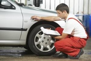 Eine Bedingung für die Mobilitätsgarantie ist, dass Sie Wartung und Durchsicht bei einer Partner-Werkstatt des Herstellers durchführen lassen.