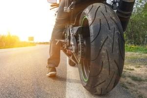 Wie hoch bei einem Motorradunfall das Schmerzensgeld ausfällt, hängt vom Einzelfall ab.