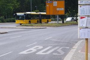 Ist das Parken an einer Haltestelle erlaubt oder verboten?