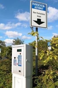 Ein Parkschein ist für Anwohner nicht nötig, wenn diese einen Anwohnerparkausweis besitzen.