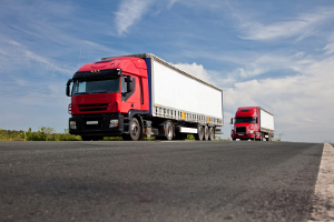 Werden Pausen vom Lkw-Fahrer nicht rechtzeitig nach spätestens sechs Stunden eingelegt, kann ein Bußgeld drohen.