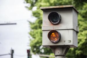 Radaranlagen: In Deutschland werden Radarfallen stationär und auch mobil eingesetzt.