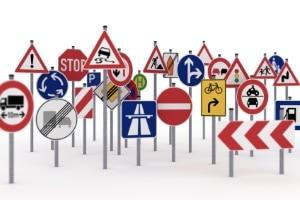 Im Zuge der Radfahrprüfung werden Fragen zu den Verkehrsschildern gestellt.