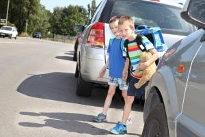 Den Reaktionsweg legen Kfz-Fahrer während dem Reagieren zurück, z. B. wenn Kinder unerwartet die Fahrbahn überqueren.