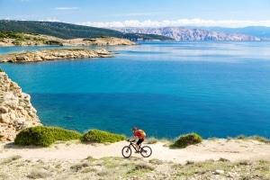 Die Reichweite von E-Bikes hängt von verschiedenen Faktoren ab.