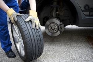 Reifen sollten ein Alter von maximal zehn Jahren nicht überschreiten.