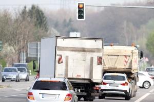 Gilt ein anderer Bußgeldkatalog, wenn ein Rotlichtverstoß mit einem Lkw begangen wird?
