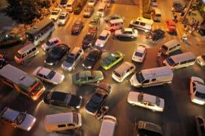 Rückwärtsfahren: Ist der Verkehr übersichtlich?
