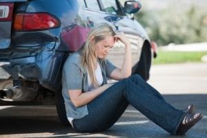 Nach einem Verkehrsunfall kann ein Anspruch auf Schmerzensgeld bei einer Schulterprellung bestehen.