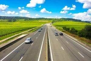 Schweiz: Auf der Autobahn können hohe Bussen anfallen, wenn Sie die Regeln verletzen.
