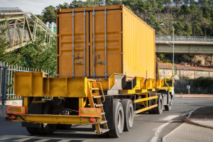 Die Sicherheitsprüfung ist für Lkw und Hänger pflichtig.