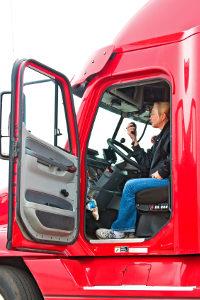 Lkw-Fahrer müssen das Sonntagsfahrverbot beachten.