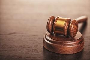 Im Zivil- und Strafprozess besteht ebenfalls ein Verschlechterungsverbot, allerdings gibt es hier Ausnahmen.