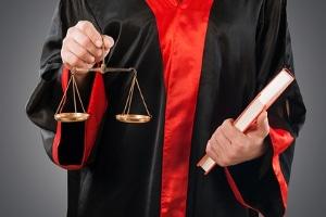 Ein  Synonym für Strafverfahren ist der Strafprozess.