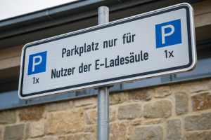 Sie riskieren nicht nur einen Strafzettel, wenn ein Elektro-Parkplatz ohne E-Kennzeichen genutzt wird.