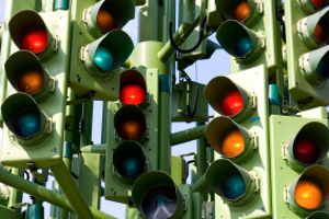 Laut StVO hat die Lichtzeichenanlage Vorrang gegenüber Verkehrszeichen anderer Art.