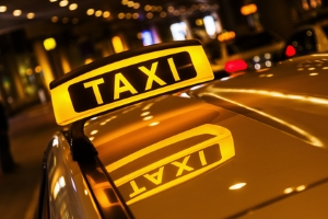 Beim Taxiunfall haftet in der Regel der Arbeitgeber.