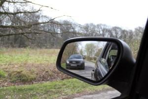 Das Überholverbot vor dem Bahnübergang gilt nur beim Überholen von Kraftfahrzeugen.