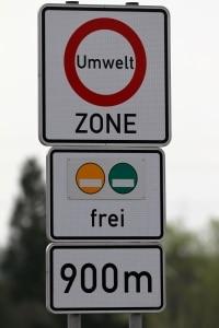 Die grüne Umweltplakette für Euro 5 berechtigt zum Befahren aller Umweltzonen.