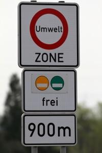 Umweltzone: Eine gelbe Plakette am Fahrzeug ist nur noch in Neu-Ulm ausreichend.