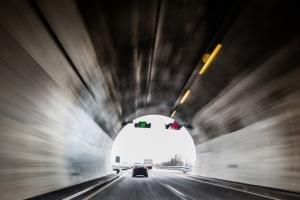 Viele Autofahrer haben Angst vor einem Unfall im Tunnel.