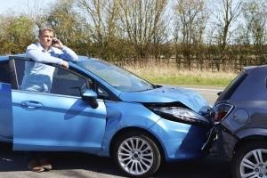 Fragen nach einem Unfall mit dem Firmenwagen: Wer zahlt? Ist eine Selbstbeteiligung fällig?