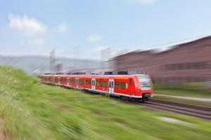 Wachsamkeit kann einen Unfall mit einem Zug verhindern.