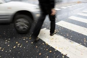 Bei einem Unfall am Zebrastreifen werden Fußgänger meist schwer verletzt.