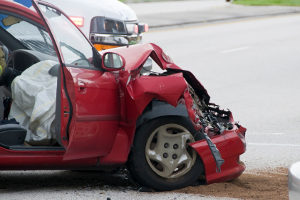 Den Unfallhergang zu schildern, ist nicht immer einfach - Unfallschäden lassen sich leichter durch Fotos darstellen.