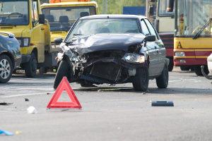 Das richtige Verhalten bei einem Unfall besteht aus mehreren Handlungen.