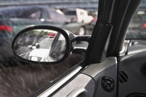 Bei der Verjährung der Fahrerflucht kann die Frist durch verschiedene Ursachen unterbrochen werden.