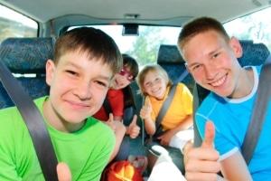 Wer mit Kindern im Auto am Verkehr von Zypern teilnimmt, sollte auch das geltende Rauchverbot beachten.