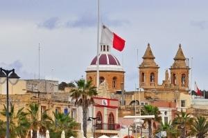 Welche Besonderheiten gilt es bei den Verkehrsregeln auf Malta zu beachten?