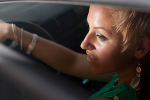 Auf einem Verkehrsübungsplatz können Führerscheinanwärter das Fahren üben.