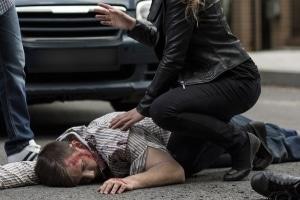 Es besteht die Möglichkeit, nach einem Verkehrsunfall Schmerzensgeld bei einem Schädelhirntrauma zu fordern.