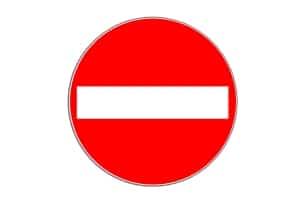 Verkehrszeichen 267: Das Verbot der Einfahrt ist nicht mit dem Durchfahrtsverbot gleichzusetzen.