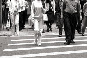 Auch für Autofahrer wichtig: Wie hoch ist die Schrittgeschwindigkeit?