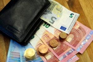Der Weg zum Wunschkennzeichen: Welche Kosten entstehen?