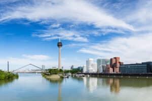 Es gibt keine zentrale Bußgeldstelle für NRW. Selbst die Landeshauptstadt Düsseldorf hat ihre eigene Behörde.