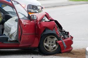 Ein Zettel am angefahrenen Auto bedeutet trotzdem Fahrerflucht, wenn derjenige nicht wartet und die Polizei informiert.