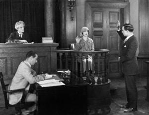Zeugenfragebogen ignorieren oder besser auf ein Zeugnisverweigerungsrecht berufen?